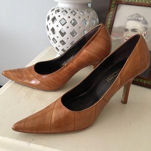 Moda Spana chestnut brown leather pumps - like new